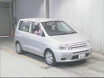 Mitsubishi Mirage Dingo 2002 - отзыв владельца