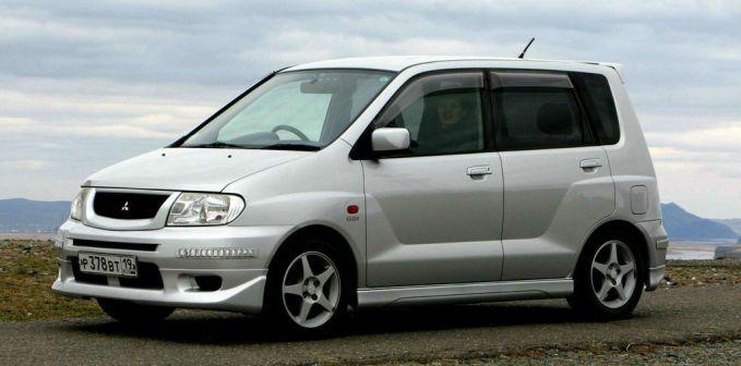 Mitsubishi Mirage Dingo 2001 - отзыв владельца