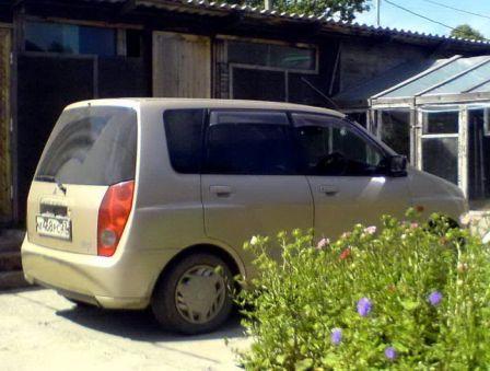 Mitsubishi Mirage Dingo 1999 - отзыв владельца