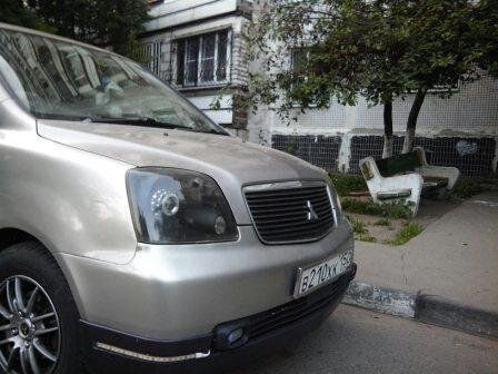 Mitsubishi Dion 2000 - отзыв владельца
