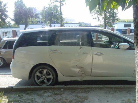 Mitsubishi Grandis 2003 - отзыв владельца