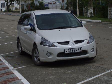 Mitsubishi Grandis 2004 - отзыв владельца