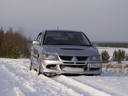 Mitsubishi Lancer Evolution 2003 - отзыв владельца