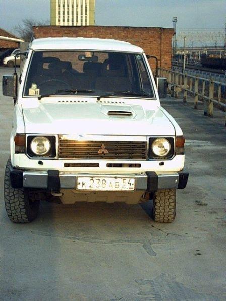 Mitsubishi Pajero 1989 - отзыв владельца