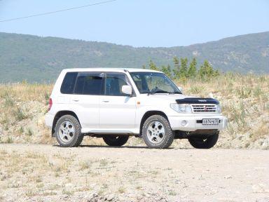 Mitsubishi Pajero iO, 2000