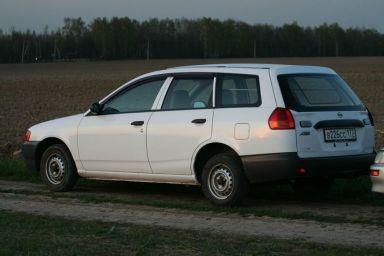 Nissan AD, 1999