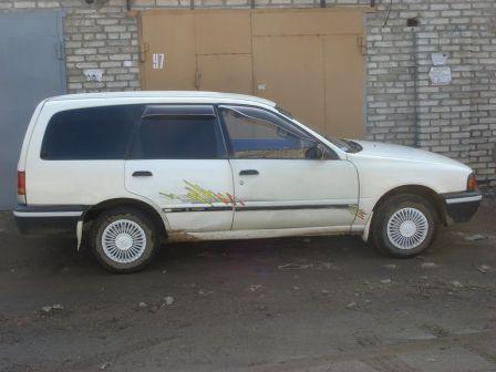 Nissan AD 1993 - отзыв владельца