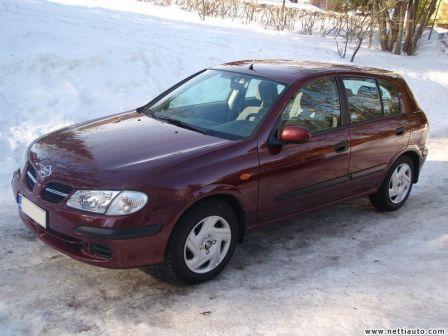 Nissan Almera 2002 - отзыв владельца