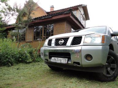 Nissan Armada, 2004