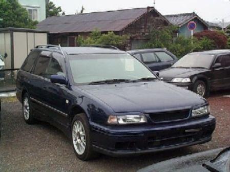 Nissan Avenir 1996 - отзыв владельца