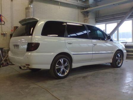 Nissan Bassara 2000 - отзыв владельца