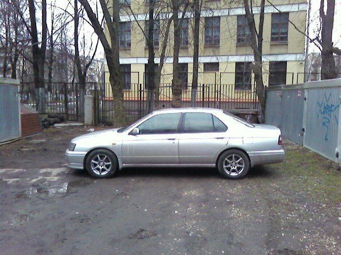 nissan bluebird кузов первой комплектации № hu14