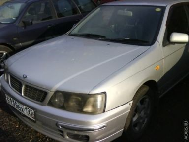 Nissan Bluebird, 1996
