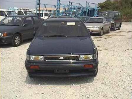 Nissan Bluebird 1991 - отзыв владельца