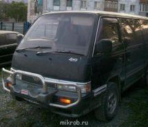 Nissan Caravan, 1995