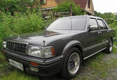 Nissan Cedric, 1990