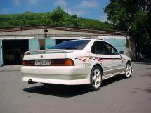 Nissan Cefiro, 1989
