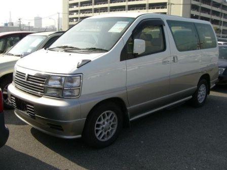 Nissan Elgrand 1999 - отзыв владельца