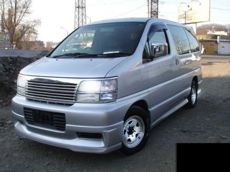 Nissan Elgrand 1998 - отзыв владельца