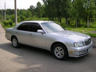 Nissan Gloria, 1998
