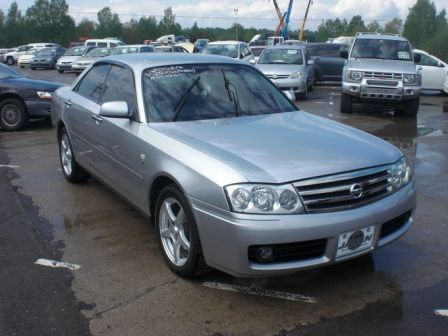 Nissan Gloria 2003 - отзыв владельца