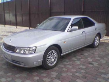 Nissan Laurel, 2001