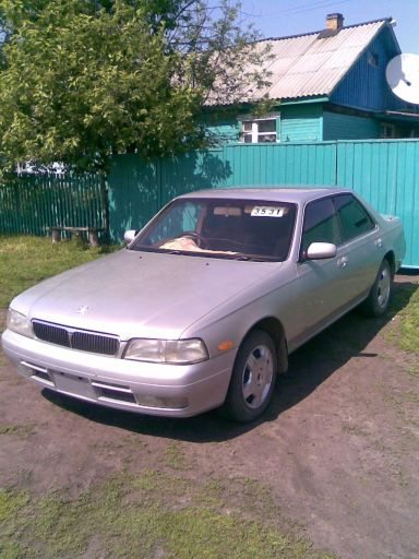 Nissan Laurel, 1995