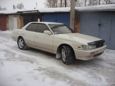 Nissan Laurel, 1991