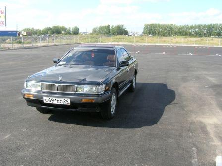 Nissan Laurel 1991 - отзыв владельца