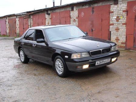 Nissan Laurel 1995 - отзыв владельца