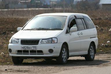 Nissan Liberty, 2000