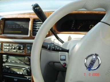 Nissan Liberty, 2001