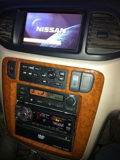 Nissan Liberty, 2002