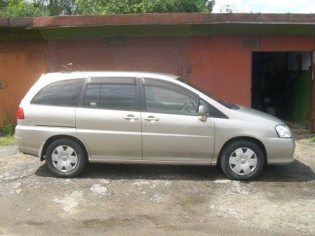 Nissan Liberty 2004 - отзыв владельца
