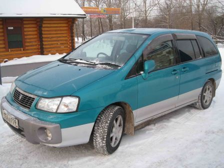 Nissan Liberty 2000 - отзыв владельца