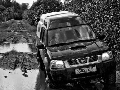 Nissan NP300, 2005