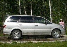 Nissan Presage, 2000