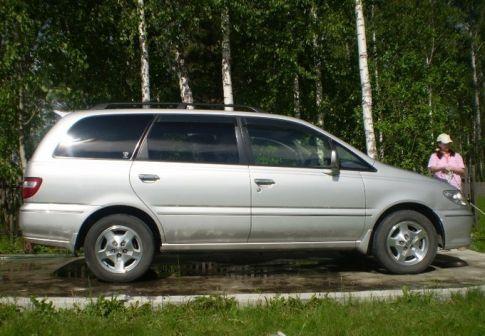 Nissan Presage 2000 - отзыв владельца