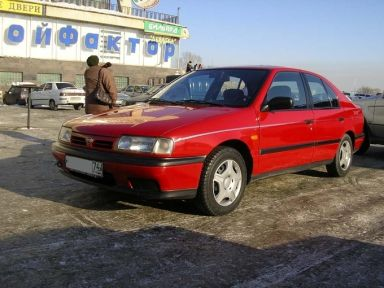 Nissan Primera, 1990