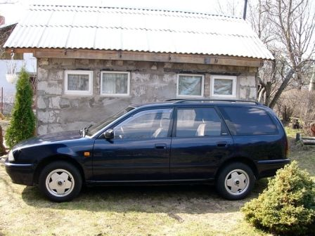 Nissan Primera 1993 - отзыв владельца