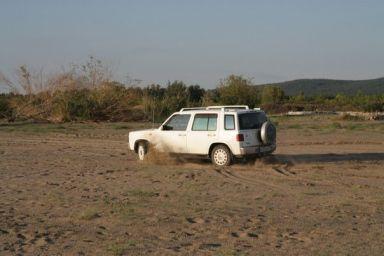 Nissan Rasheen, 1999