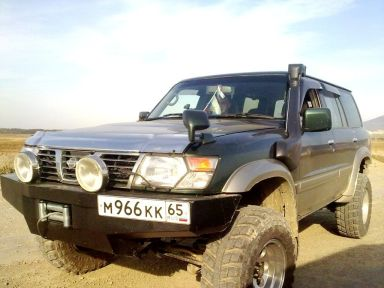 Nissan Safari, 2002