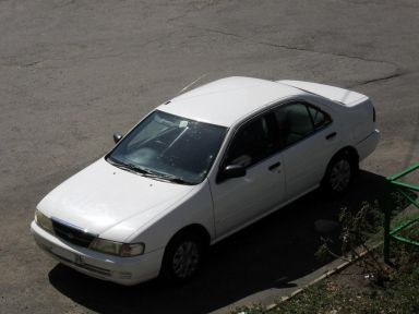 Nissan Sunny 1998 отзыв автора | Дата публикации 29.08.2010.