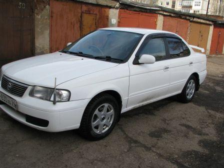 Nissan Sunny 2004 - отзыв владельца