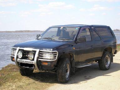 Nissan Terrano, 1989