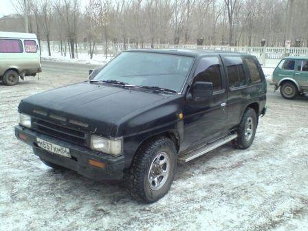 Nissan Terrano 1990 - отзыв владельца