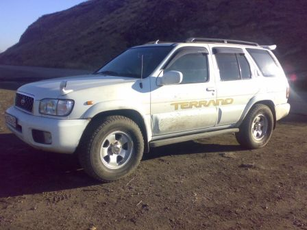 Nissan Terrano 1999 - отзыв владельца