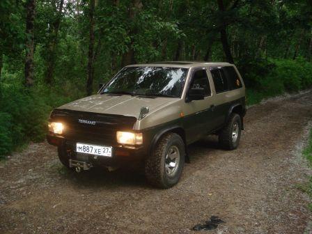 Nissan Terrano 1994 - отзыв владельца