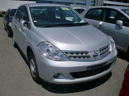 Nissan Tiida Latio 2010 - отзыв владельца