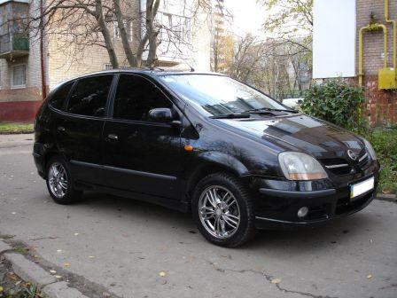 Nissan Tino 2003 - отзыв владельца